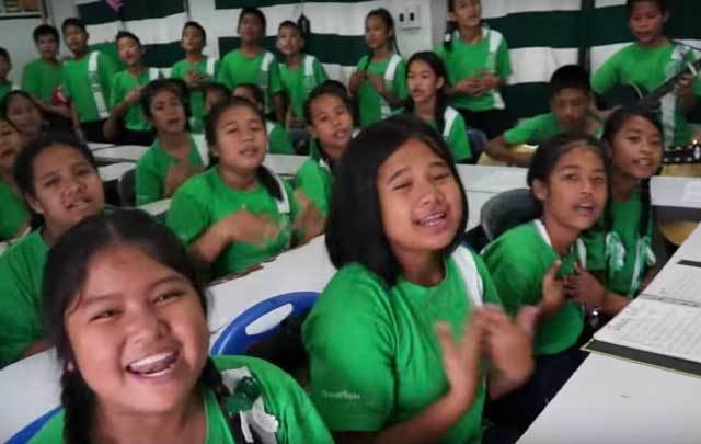 thai-children-sing-galway-girl