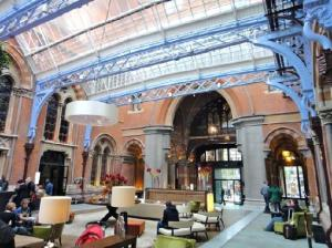 Lobby bar St Pancras Hotel